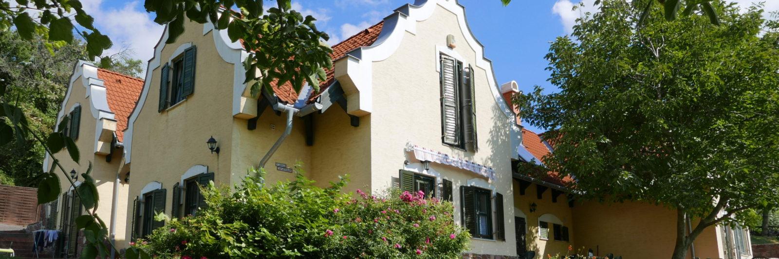 Mediterrán hangulatú balatoni apartmanok várják a kikapcsolódni vágyókat
